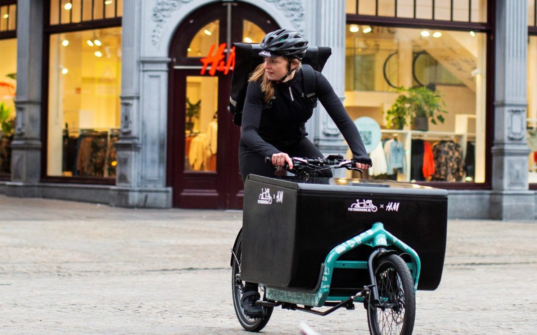 H&M Announces Delivery by Bicycle in Netherlands