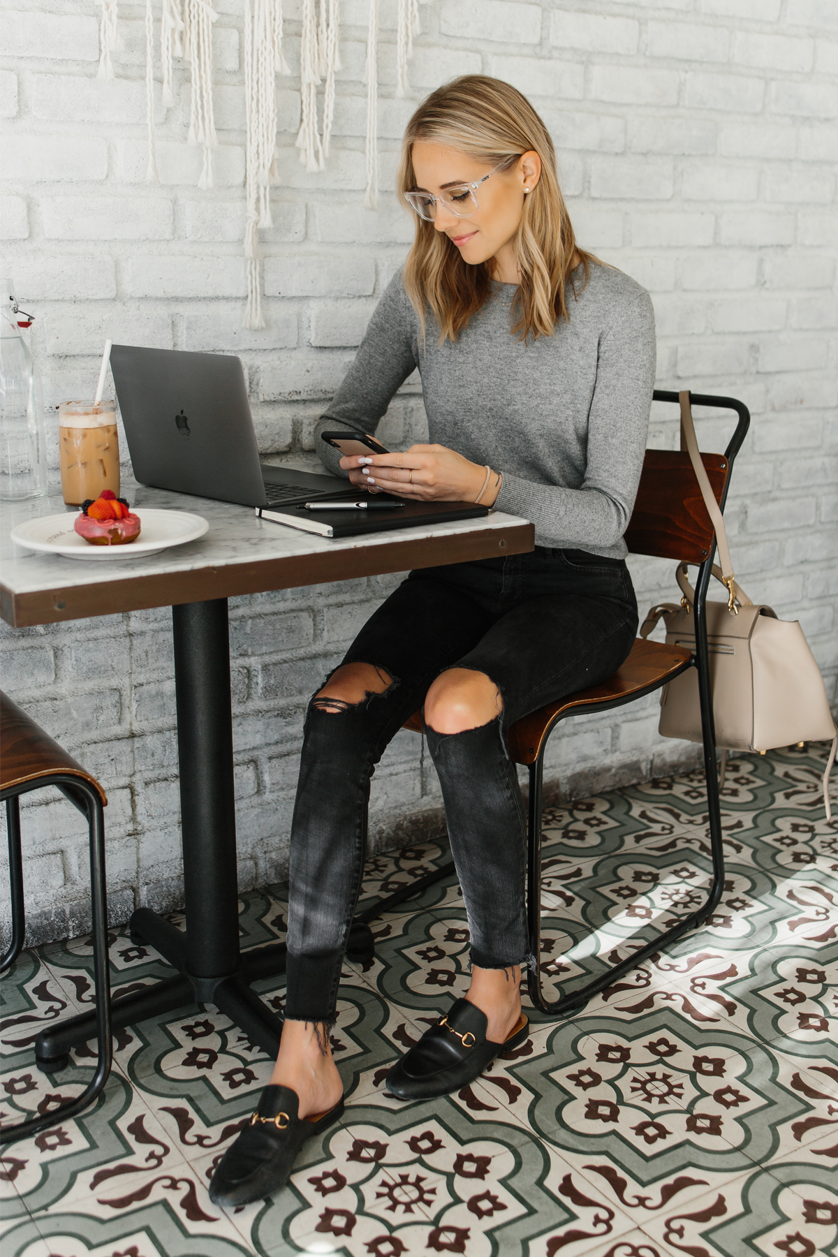 Corona Lockdown : Best fashion tips to follow while on work from home