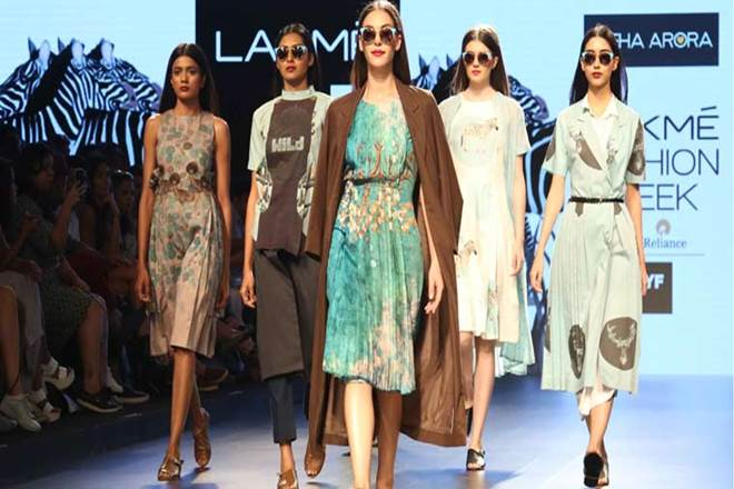 "Covid-19 : Lakme Fashion Week launches ""Virtual Showroom"" amid the pandemic"